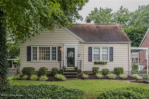 Photo of 222 N Hubbards Ln, Louisville, KY 40207 (MLS # 1570277)