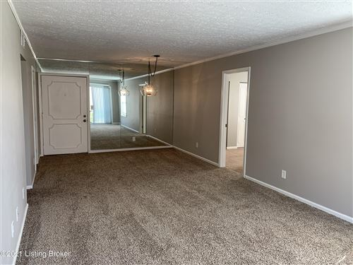 Tiny photo for 165 Thierman Ln #301, Louisville, KY 40207 (MLS # 1585290)