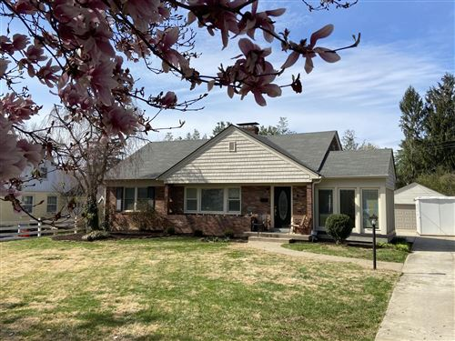 Photo of 814 Cannons Ln, Louisville, KY 40207 (MLS # 1556320)