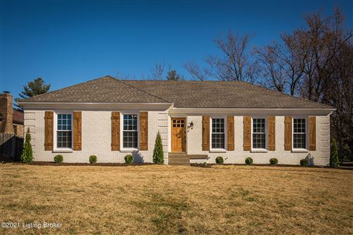 Photo of 6803 Penwern Ct, Louisville, KY 40207 (MLS # 1580323)