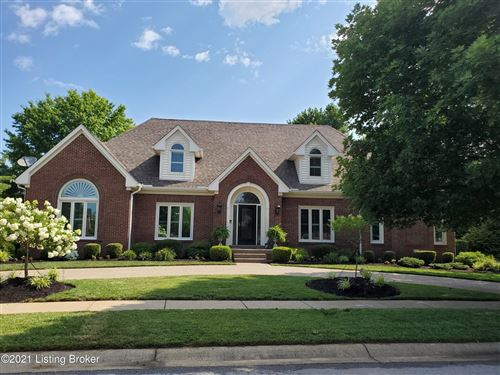 Photo of 825 Lake Forest Pkwy, Louisville, KY 40245 (MLS # 1590336)
