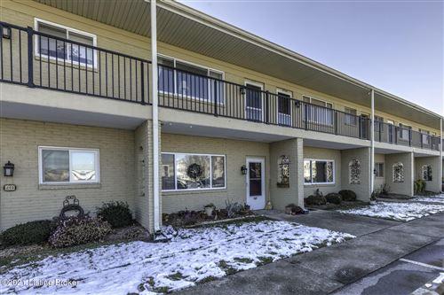 Photo of 206 Casa Bella Ct, Louisville, KY 40220 (MLS # 1578341)
