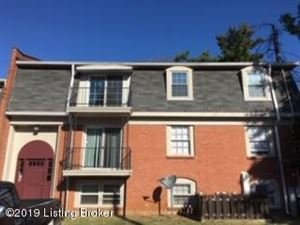 Photo of 8718 Bayberry Pl #30, Louisville, KY 40242 (MLS # 1546350)