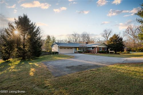 Photo of 404 N Hubbards Ln, Louisville, KY 40207 (MLS # 1581354)