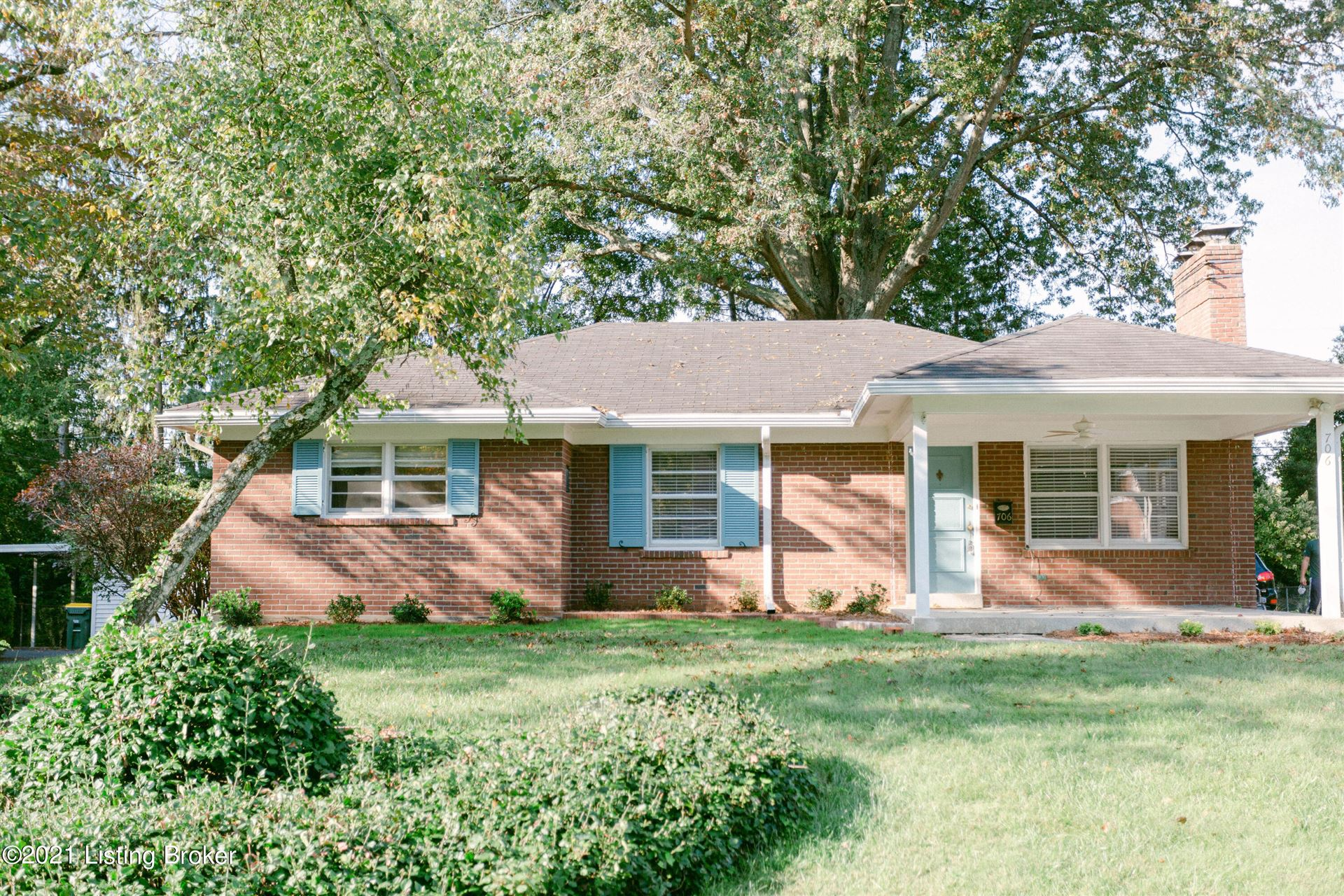 Photo for 706 Indian Ridge Rd, Louisville, KY 40207 (MLS # 1598356)