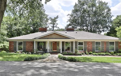 Photo of 5305 Indian Crest Rd, Louisville, KY 40207 (MLS # 1552359)