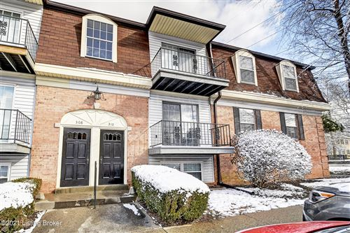 Photo of 308 Chanel Ct #1, Louisville, KY 40218 (MLS # 1578366)