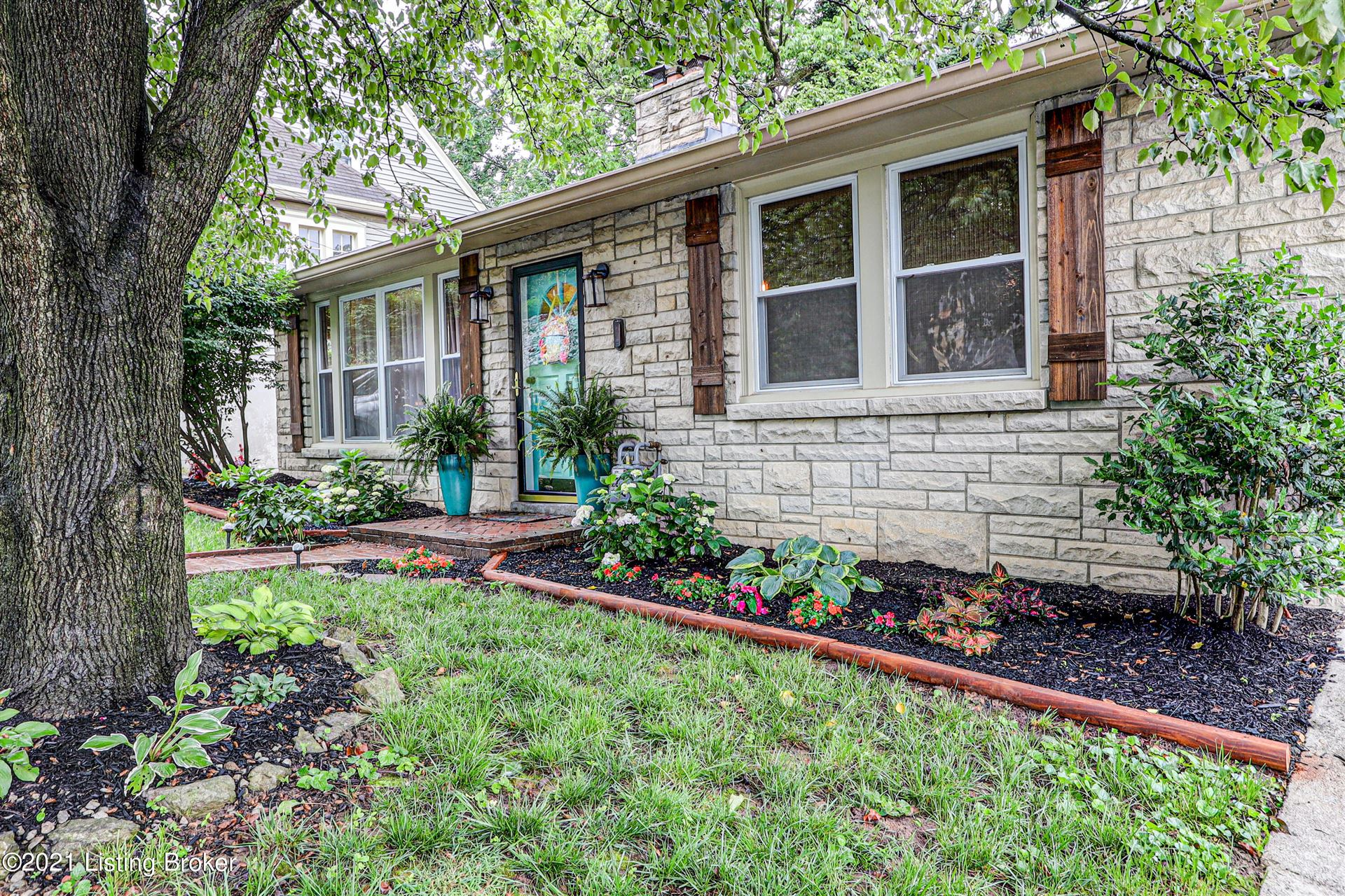 Photo for 218 Idlewylde Dr, Louisville, KY 40206 (MLS # 1587369)