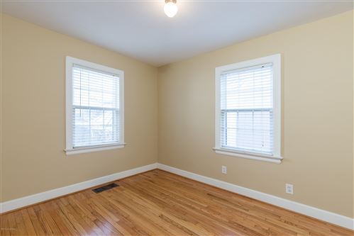 Tiny photo for 505 Fairlawn Rd, Louisville, KY 40207 (MLS # 1576398)