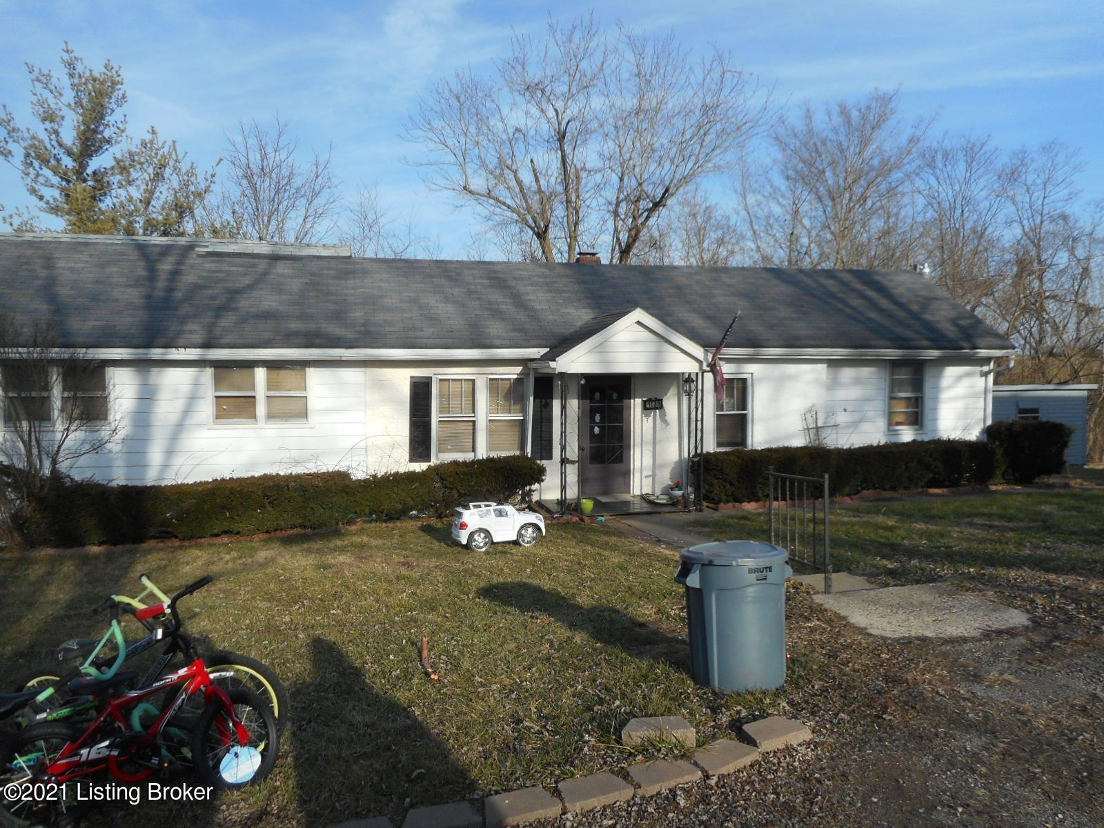 Photo of 1089 Bloomfield Rd, Taylorsville, KY 40071 (MLS # 1577429)