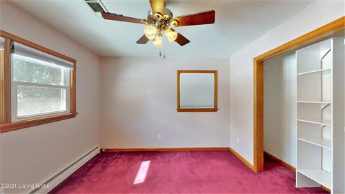 Tiny photo for 6934 Ambridge Cir, Louisville, KY 40207 (MLS # 1579441)