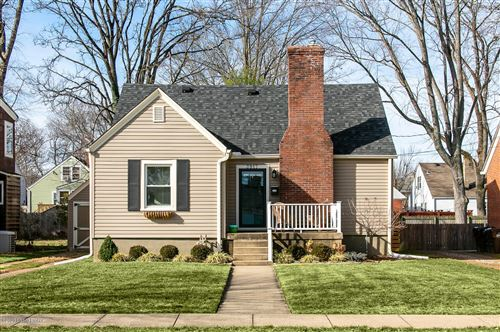 Photo of 3917 Staebler Ave, Louisville, KY 40207 (MLS # 1552459)