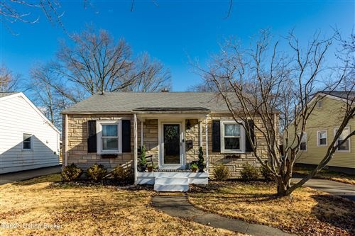Photo of 421 Marquette Dr, Louisville, KY 40222 (MLS # 1577463)