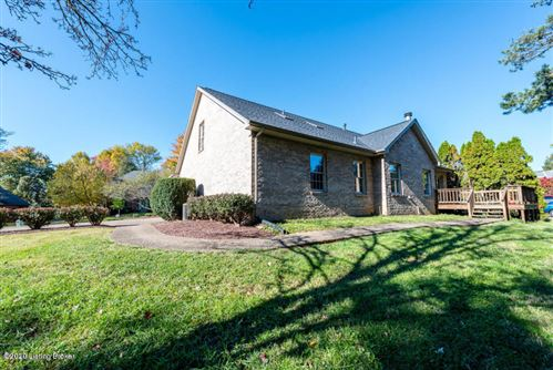 Tiny photo for 1107 Bentwood Place Ct, Louisville, KY 40207 (MLS # 1595472)