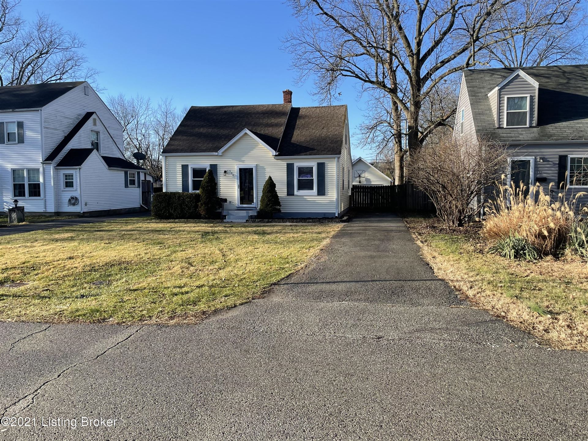 Photo for 530 Marquette Dr, Louisville, KY 40222 (MLS # 1577481)