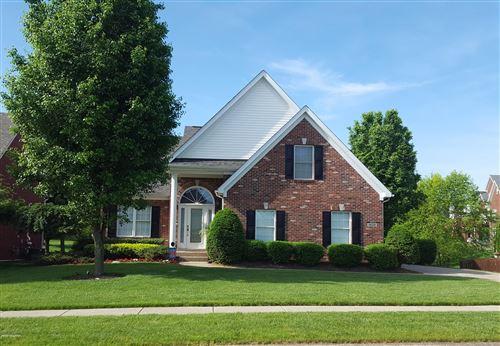 Photo of 4602 Oak Forest Rd, Louisville, KY 40245 (MLS # 1563492)