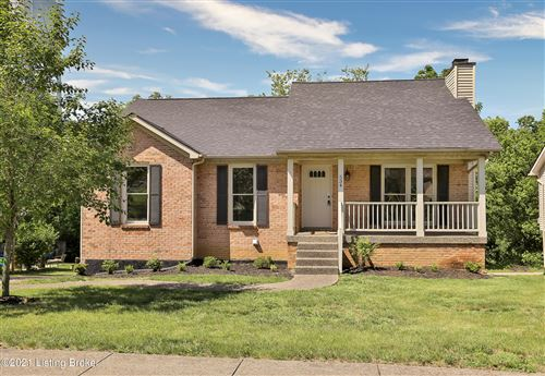 Photo of 534 Hawthorne Ave, Shelbyville, KY 40065 (MLS # 1587508)