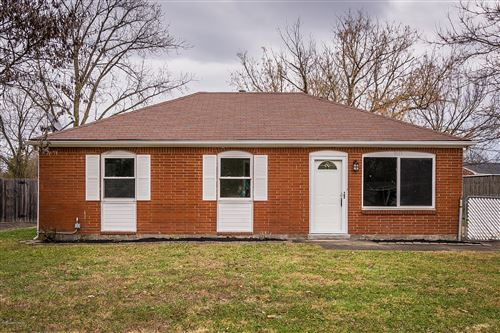 Photo of 9613 Scarborough Ave, Louisville, KY 40272 (MLS # 1558519)