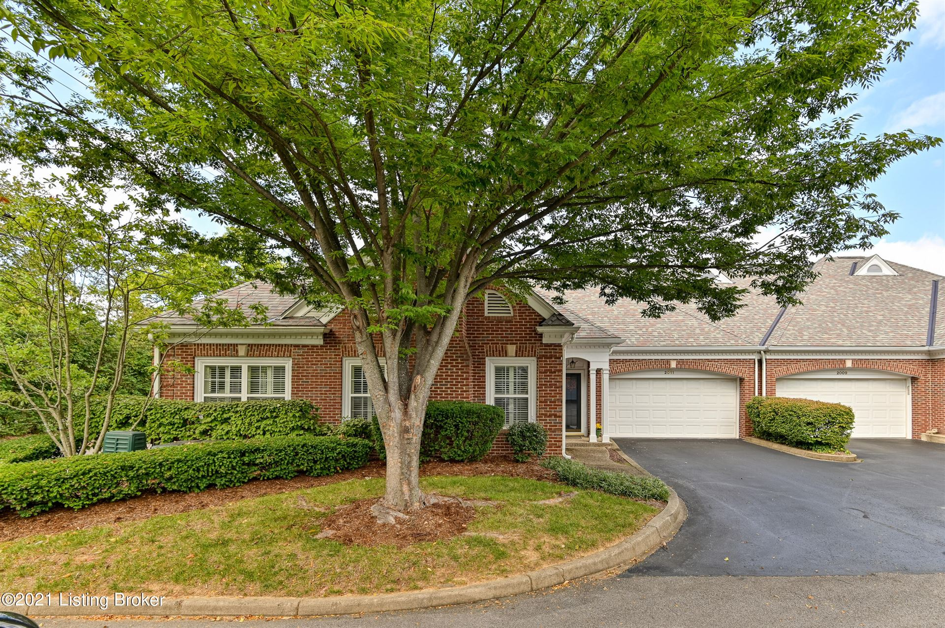 Photo for 2011 Winding Bluff Trace, Louisville, KY 40207 (MLS # 1598543)