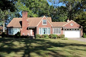Photo of 113 Dorchester Rd, Louisville, KY 40223 (MLS # 1545555)