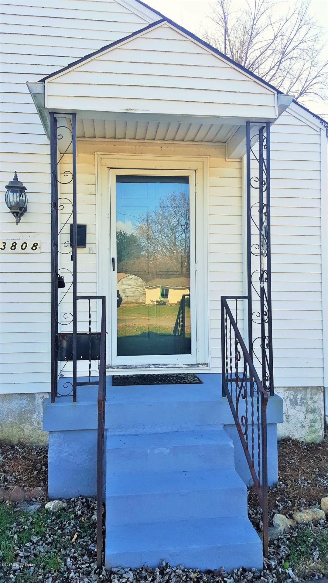 Photo for 3808 Staebler Ave, Louisville, KY 40207 (MLS # 1578573)