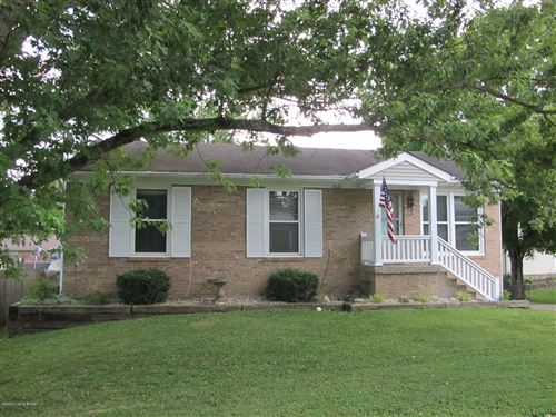 Photo of 6643 Ashbrooke Dr, Pewee Valley, KY 40056 (MLS # 1563588)
