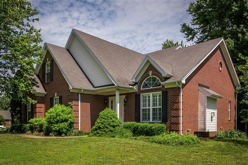 Photo of 3226 S Winchester Acres Rd, Louisville, KY 40223 (MLS # 1560593)