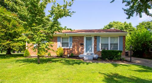 Photo of 3033 Casswood Dr, Louisville, KY 40220 (MLS # 1563597)