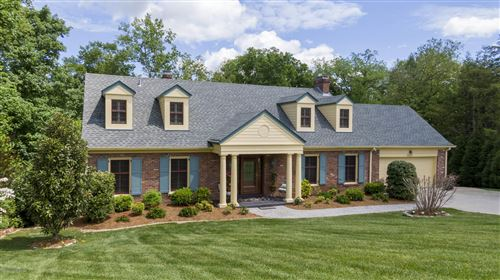 Photo of 5228 Moccasin Trail, Louisville, KY 40207 (MLS # 1572605)