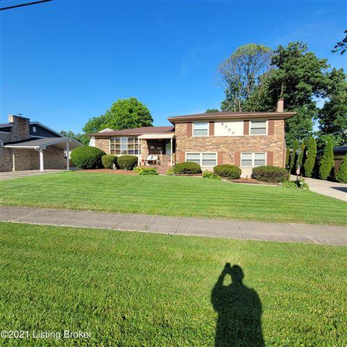 Photo of 8703 Devonshire Dr, Louisville, KY 40258 (MLS # 1588609)