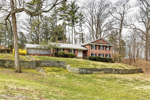Photo of 2201 River Bluff Rd, Louisville, KY 40207 (MLS # 1596610)