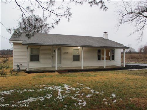 Photo of 10019 Wingfield Rd, Louisville, KY 40291 (MLS # 1578664)