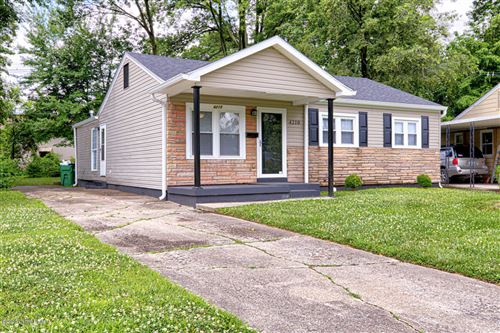 Photo of 4210 St Francis Ln, Louisville, KY 40218 (MLS # 1562684)