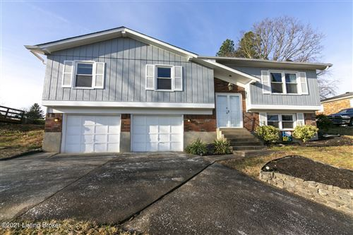 Photo of 2711 Windsor Forest Dr, Louisville, KY 40272 (MLS # 1577709)