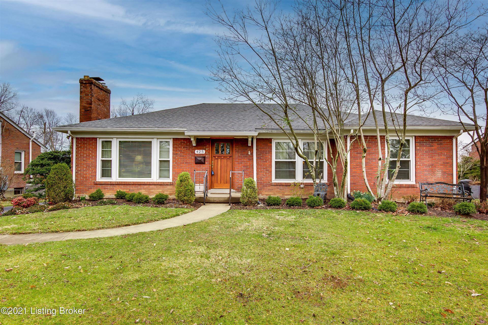 Photo for 425 Deerfield Ln, Louisville, KY 40207 (MLS # 1584712)