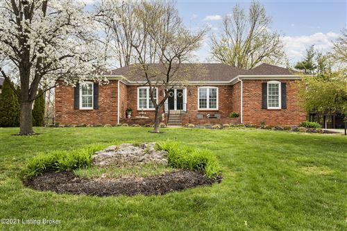 Photo of 2205 Bell Tavern Ct, Louisville, KY 40207 (MLS # 1582716)