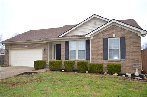 Photo of 6202 Winding Stream Dr, Louisville, KY 40272 (MLS # 1551722)