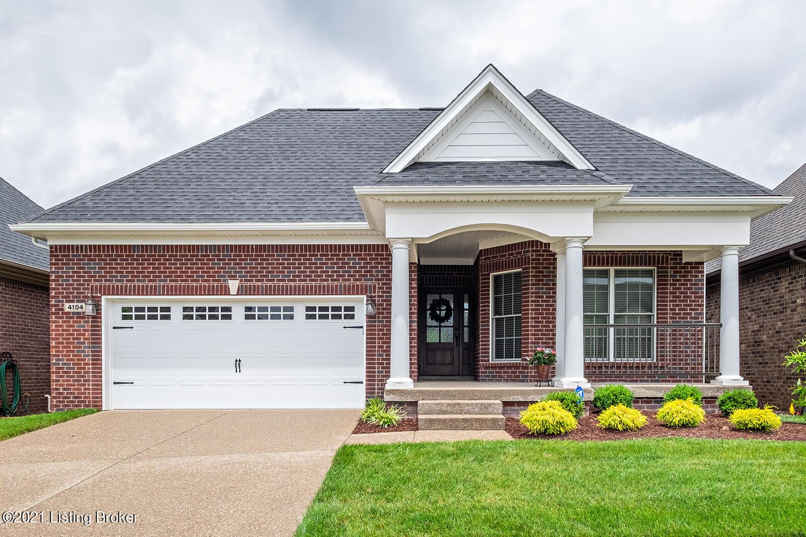 Photo for 4104 Calgary Way, Louisville, KY 40241 (MLS # 1587726)