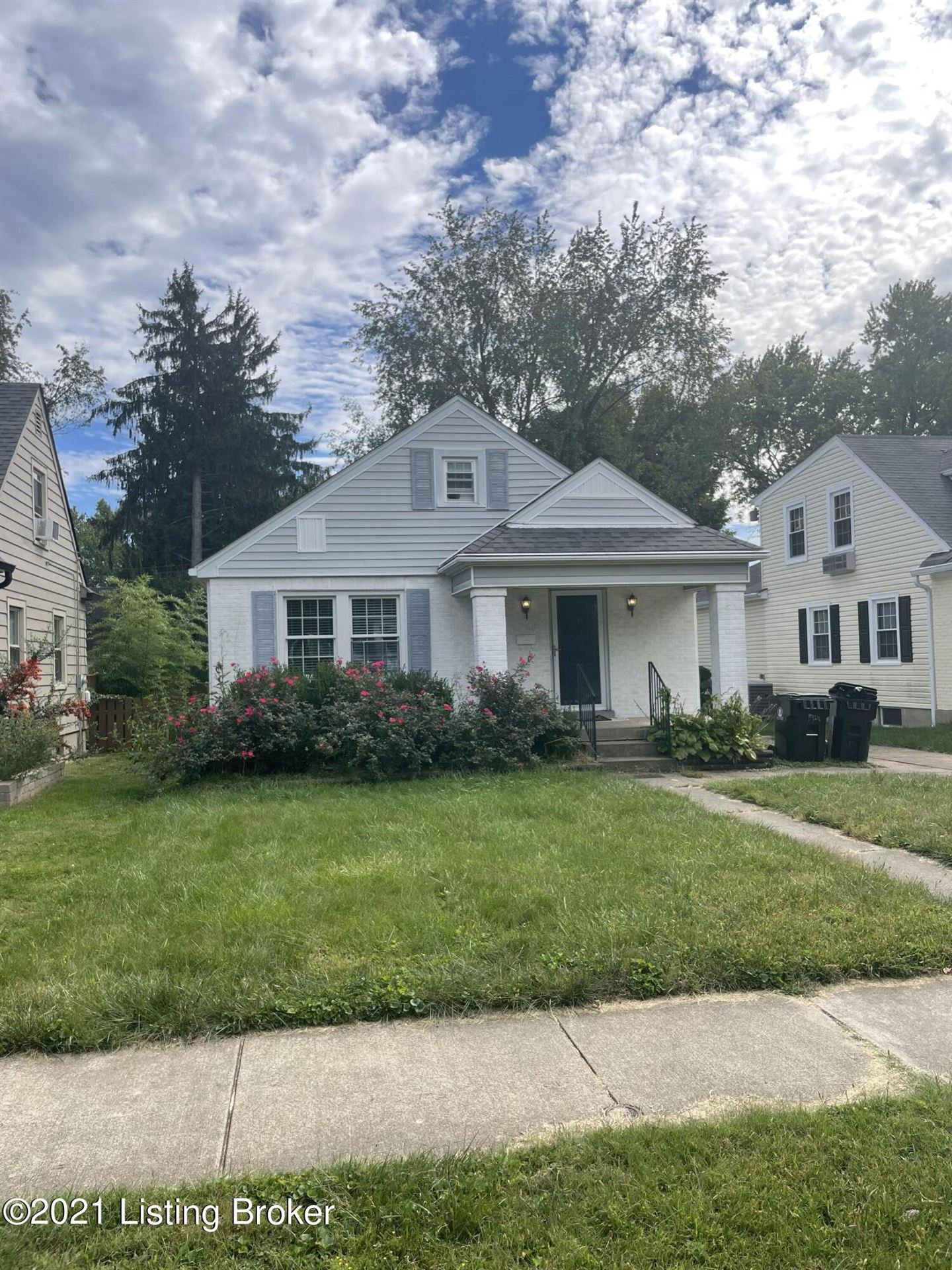 Photo for 3920 Grandview Ave, Louisville, KY 40207 (MLS # 1597728)