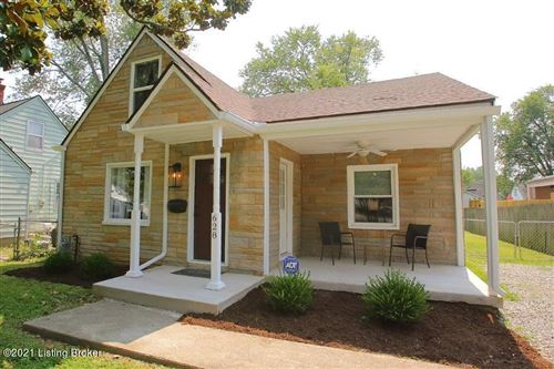 Photo of 628 Marquette Dr, Louisville, KY 40222 (MLS # 1595744)