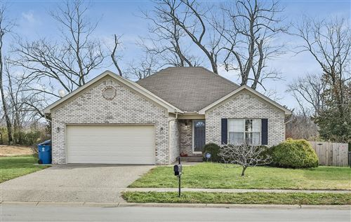 Photo of 2163 Two Springs Dr, Shelbyville, KY 40065 (MLS # 1548745)