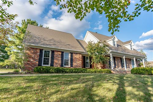 Photo of 1341 St Andrews Dr, Shelbyville, KY 40065 (MLS # 1545748)