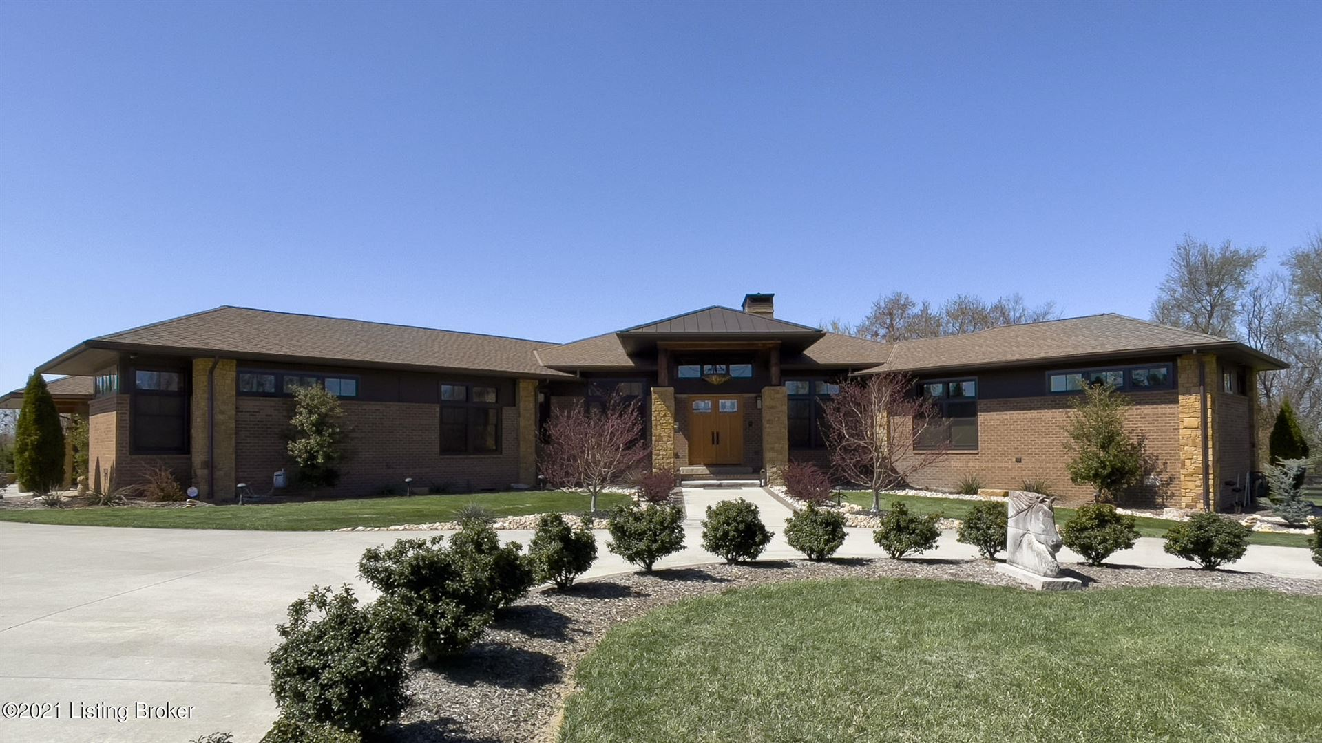 Photo for 9306 Deepa Dr, Prospect, KY 40059 (MLS # 1582755)