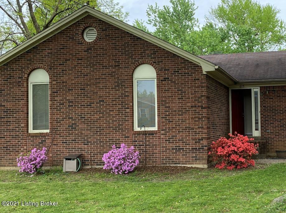 Photo for 615 Stivers Rd, Louisville, KY 40207 (MLS # 1584756)