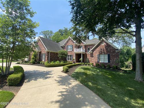 Photo of 1404 Oxmoor Woods Pkwy, Louisville, KY 40222 (MLS # 1588759)