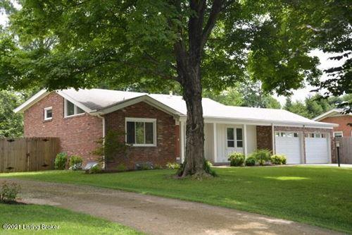 Photo of 6427 Regency Ln, Louisville, KY 40207 (MLS # 1588768)