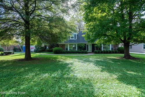Photo of 2106 Newmarket Dr, Louisville, KY 40222 (MLS # 1598769)