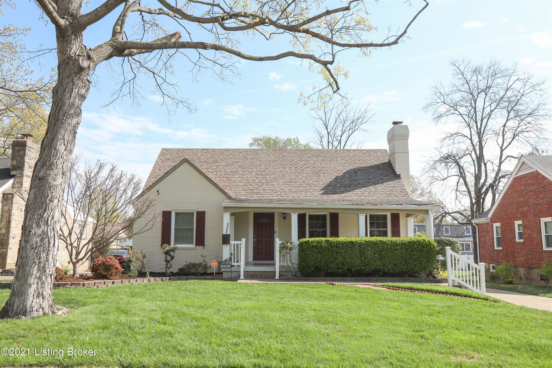 Photo for 3009 Lowell Ave, Louisville, KY 40205 (MLS # 1582778)