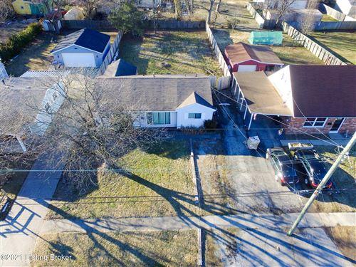 Photo of 13406 Hinchbrook Blvd, Louisville, KY 40272 (MLS # 1579834)