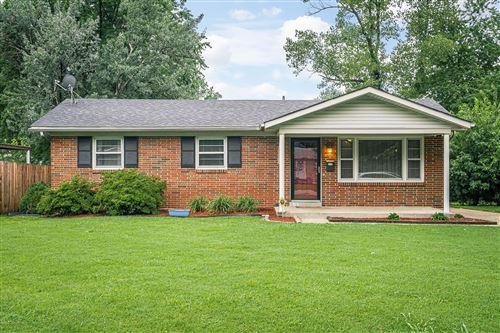 Photo of 7806 Bramble Ln, Louisville, KY 40258 (MLS # 1565846)